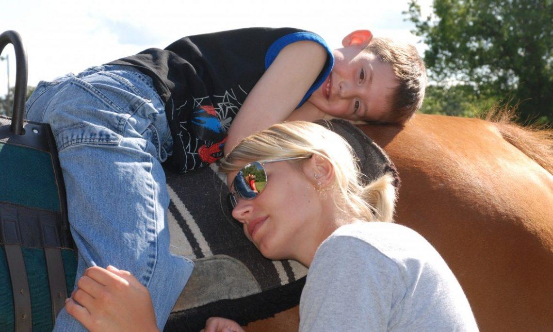 equine-Therapy-2-e1426125040179-1.jpg
